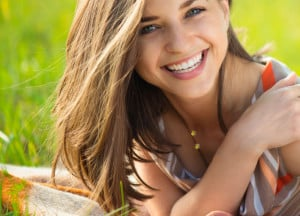 Four Advantages of Professional Teeth Whitening